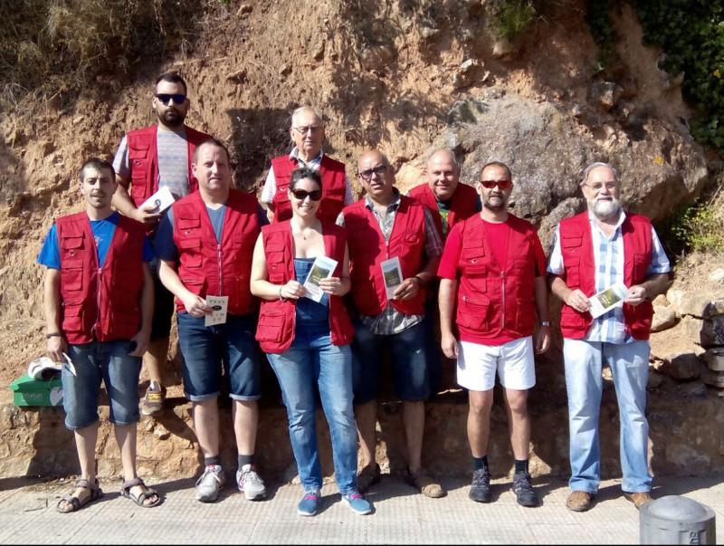 Un grup de voluntaris que va treballar durant el primer cap de setmana per informar als usuaris dels gorgs EPN