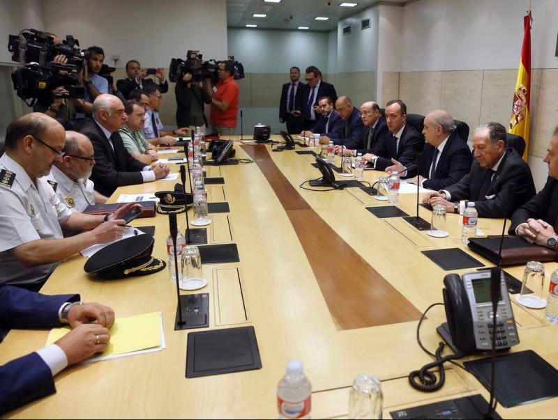 Imatge de la reunió, ahir, de la mesa d'avaluació de l'amenaça terrorista J.GUILLÉN / EFE