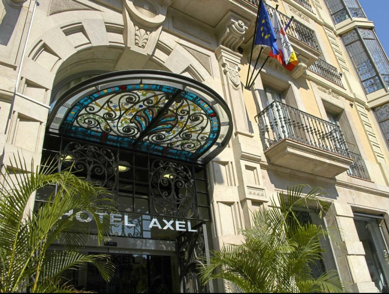 Façana de l'hotel Axel de Barcelona ARXIU