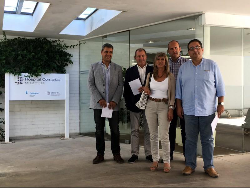 Alcaldes i presidents comarcals van signar ahir una declaració conjunta ahir a l'equipament de la capital de la Ribera d'Ebre. ACN