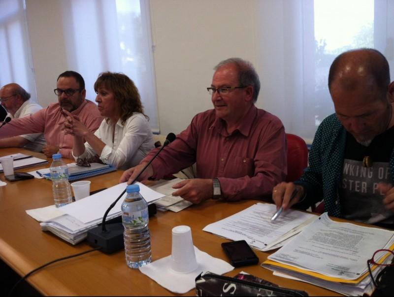 El portaveu d'ERC, Martí Fonalleras, al centre. J.T