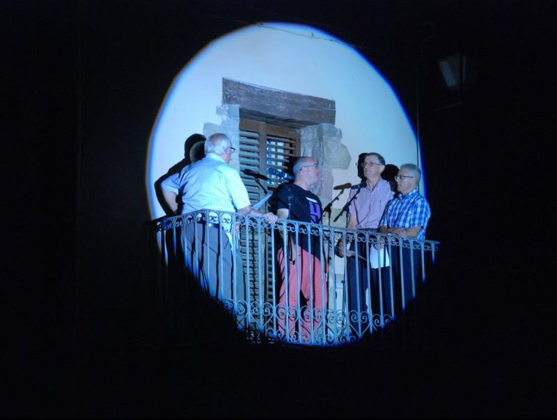 Un grup de cantadors de Riudaura, en l'edició de l'any passat del concert central. J.F