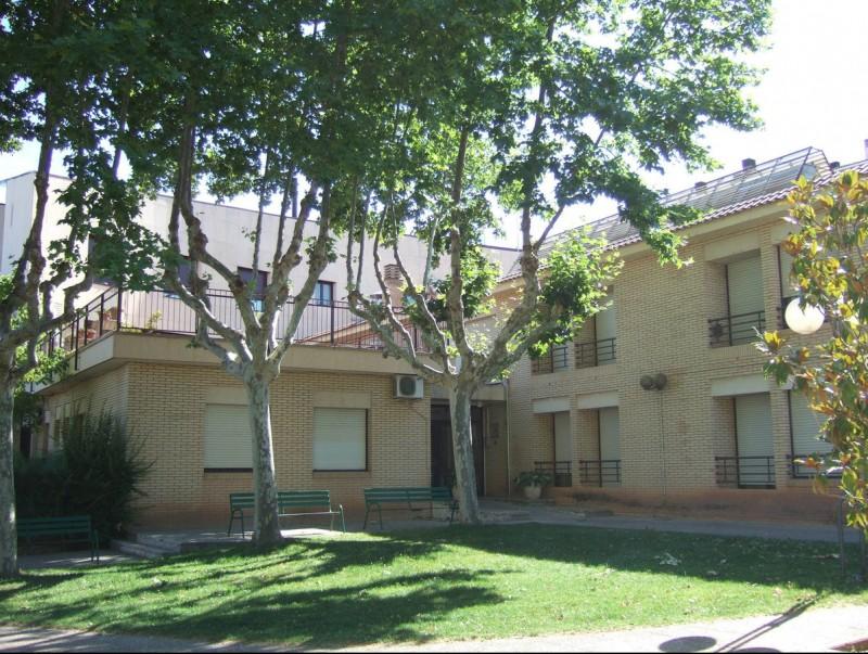 La residència municipal L'Atzavara està ubicada al centre de Sant Joan CARMINA OLIVERAS