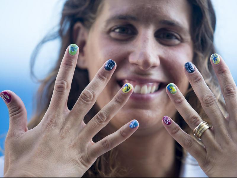 Villaécija mostra les ungles decorades amb motius olímpics i especials pels Jocs de Rio EFE / QUIQUE GARCIA