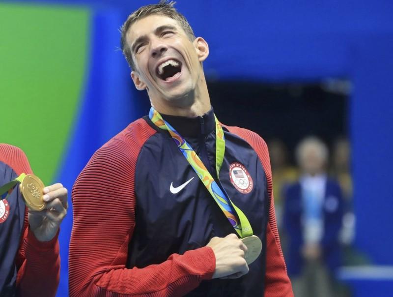 Michael Phelps torna a somriure, d'orella a orella.  REUTERS