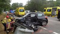 Accident amb una moto i un cotxe implicats, en una imatge d'arxiu