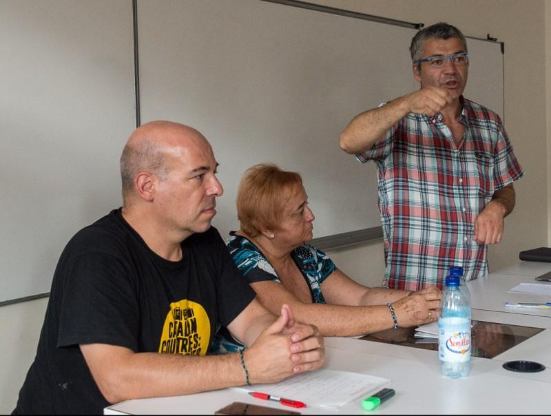 MInoves i Surra  ahir escoltant Amorós, secretari d'Igualtat, Migracions i Ciutadania J.M.M./UCE