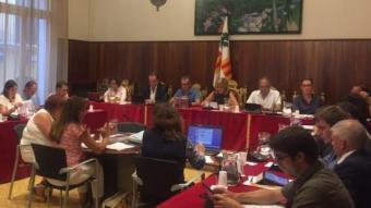 Una imatge de l'última sessió del ple de Figueres EL PUNT AVUI