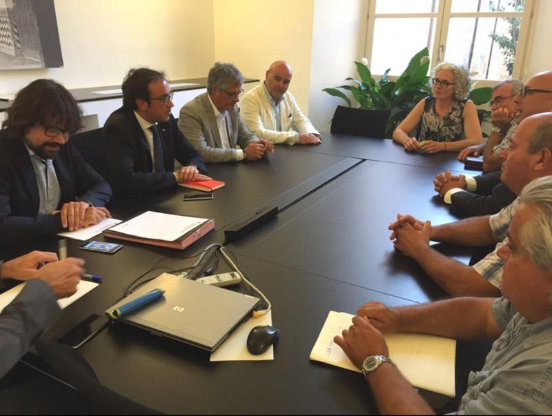 El conseller Rull es va reunir amb els alcaldes més afectats pels incompliments de Foment a l'N-II EL PUNT AVUI