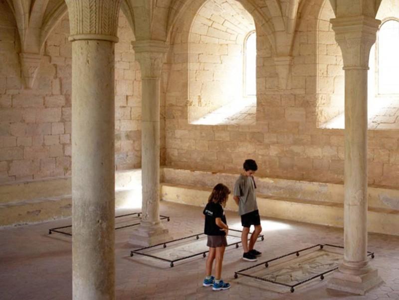 El dormitori del monestir acull l'exposició sobre Llull EPN