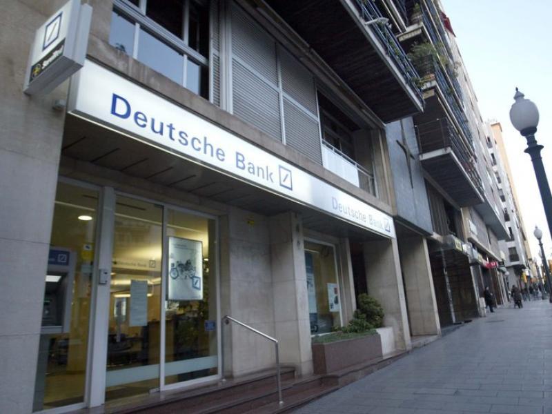 El Deutsche Bank és una de les entitats que han despertat més dubtes entre analistes i inversors.  JUDIT FERNÁNDEZ
