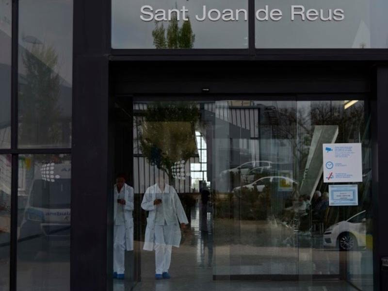 Entrada principal de l'actual edifici de l'hospital Sant Joan de Reus CRISTINA ANTILLÉS