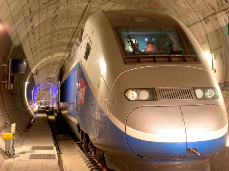 La infraestructura estel·lar d'aquest tram és el túnel del Pertús, que travessa els Pirineus. EL PUNT AVUI