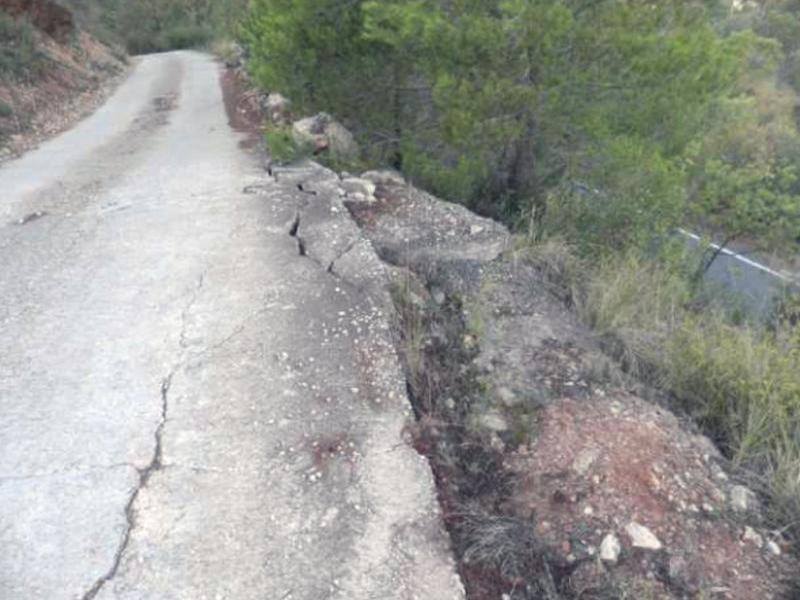 La Riba refarà l'asfalt malmès i els talussos ensorrats EPN