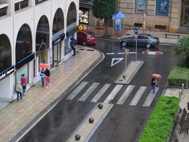 La pluja que va caure ahir a Reus i a la comarca va estar acompanyada de fort aparell elèctric EL PUNT AVUI