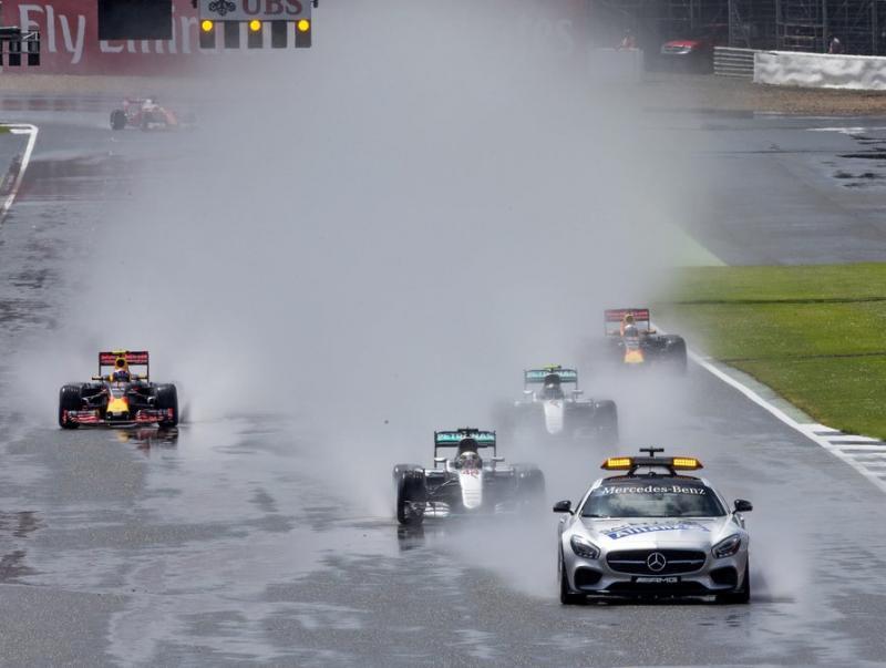 El cotxe de seguretat va neutralitzar les primeres voltes en la sortida del GP d'Anglaterra, el juliol passat EFE