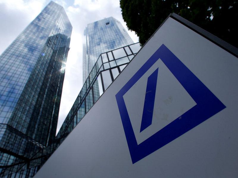 La crisi en algunes entitats com el Deutsche Bank allunya l'estabilitat al sector financer.  REUTERS
