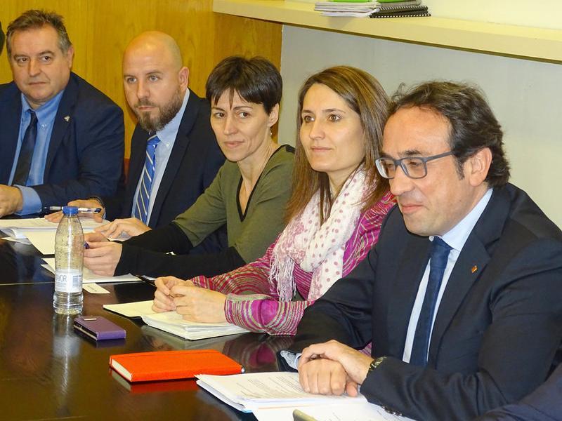 El conseller Josep Rull amb la delegada Laura Vilagrà i altres representants del Bages, en una reunió sobre la C-16 J.P