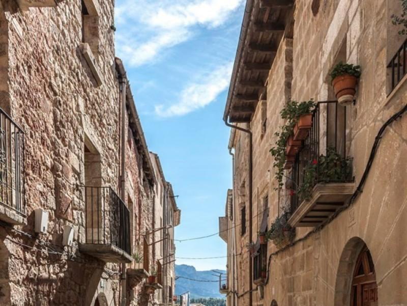 Una de les zones del nucli antic d'Horta de Sant Joan que es rehabilitarà. CEDIDA