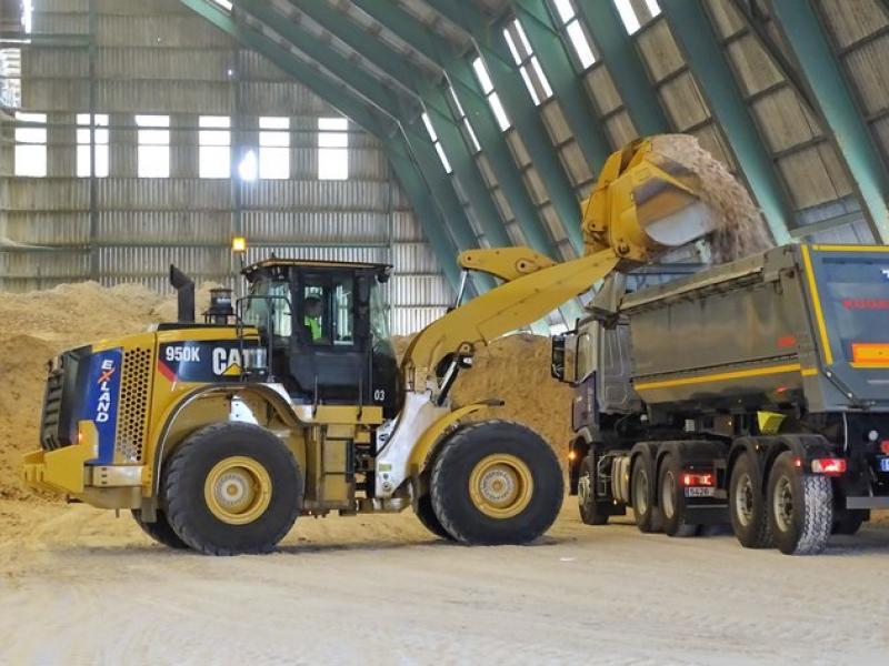 Iberpotash ja transporta mineral extret de Sallent, que cessarà la seva activitat, cap a les instal·lacions de Súria C. OLIVERAS