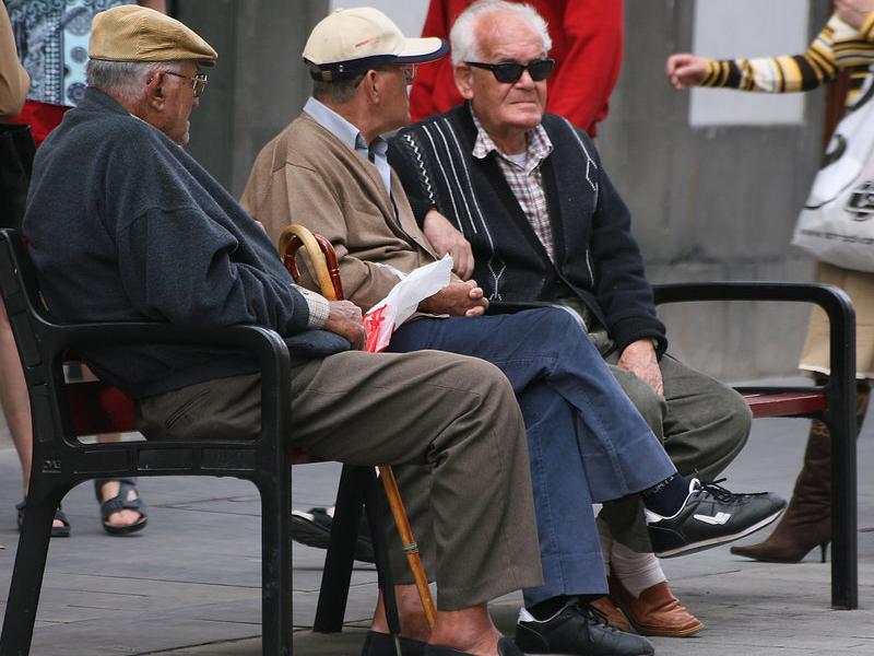 Cal fer previsions raonables del que pot passar als pensionistes en el futur.  ARXIU