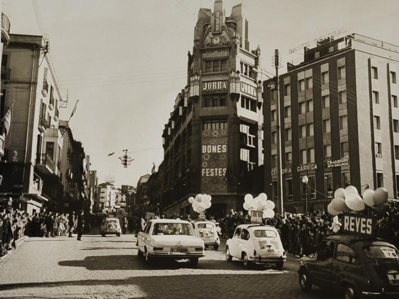 foto de la cavalcada de 1968 Arxiu