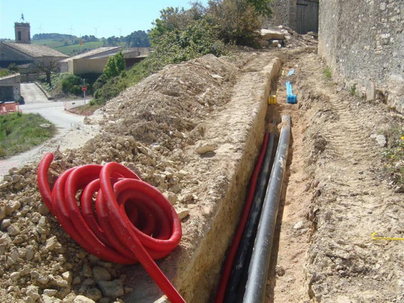 Els treballs de renovació de la xarxa d'aigua s'han finançat amb fons municipals, de la Diputació i de la Generalitat EPN