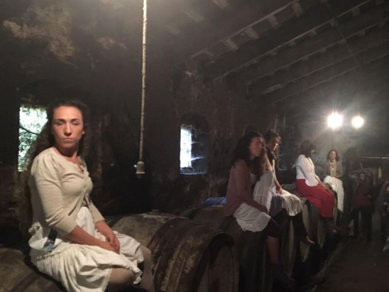 Al celler del Mas Molla es va fer una representació teatralitzada AJ. CALONGE