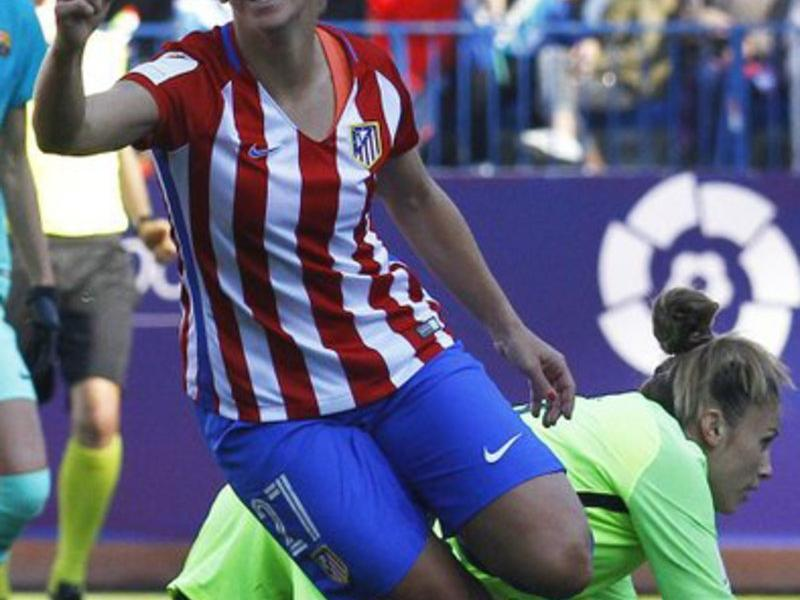 Marta Corredera celebrant el primer gol AT MADRID