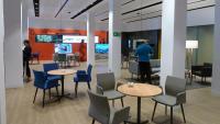 Interior d'una oficina de CaixaBank