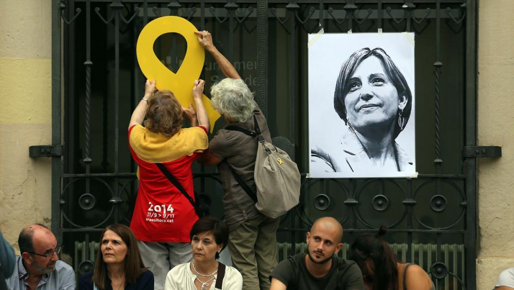 Imatge d'una fotografia de Carme Forcadell en un acte a Sabadell