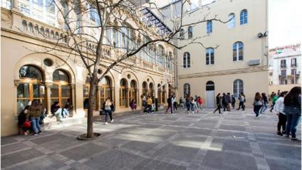 El pati d'una escola de Gràcia, a Barcelona