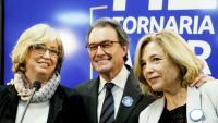Joana Ortega amb Artur Mas, després de saber la sentència del 9-N, a la seu del PDeCAT