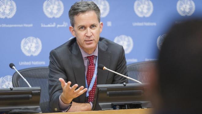 El relator especial de Nacions Unides, David Kaye, en una atenció als periodistes l'octubre del 2017