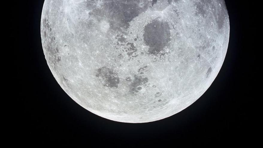 <b>EL FUTUR. </b>A la Lluna no hi ha vida, però una hipotètica explotació dels seus recursos plantejarà, sens dubte, dilemes sobre quins usos pot tenir. La foto és de la missió Apollo 11.