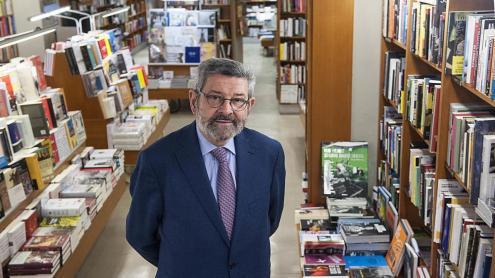 <b>Joan B. Culla, </b>a la llibreria Laie de Barcelona, poc abans de l'entrevista