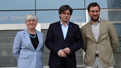 Puigdemont i Comín amb Ponsatí a les portes de l'Eurocambra