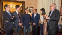 Els protagonistes del canvi a Lleida: Antoni Postius (JxCat), Sergi Talamonte (Comú de Lleida) i Miquel Pueyo (ERC), amb la diputada Marta Vilalta (ERC)