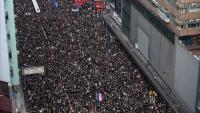 Milers de persones, al carrer de Hong Kong, contra la llei d'extradició a la Xina