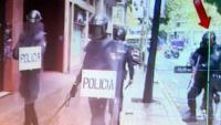 L'escopeter sospitós d'haver ferit Roger Español després de l'actuació a l'escola Ramon Llull, en l'informe d'Irídia