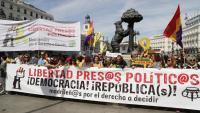 La pancarta de la manifestació que es va fer ahir a Madrid pel dret a decidir i els presos