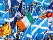 Manifestants amb banderes d'Escòcia, Irlanda i Catalunya, durant un acte a favor del dret a decidir a Glasgow (Escòcia), el maig passat