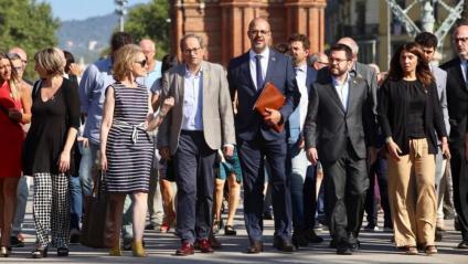 El conseller Miquel Buch arriba al TSJC acompanyat del president Quim Torra