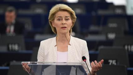 Ursula von der Leyen, candidata a presidir la Comissió Europea, en un moment de la seva intervenció aquest dimarts