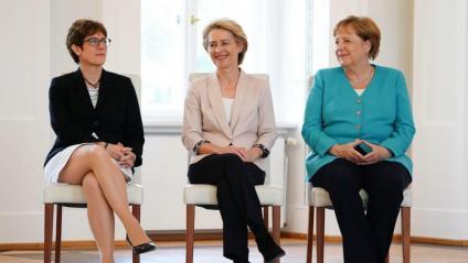 Merkel, amb Von der Leyen, la nova presidenta de la Comissió Europea, i la líder de la CDU