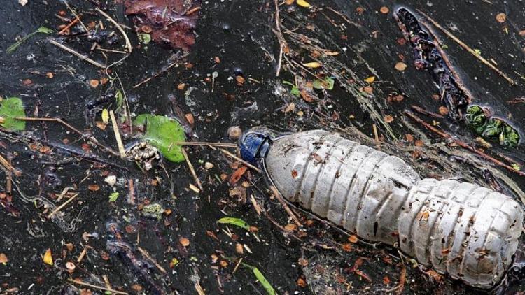 La lluita contra els residus de plàstic ha esdevingut una prioritat d'administracions i empreses.