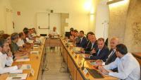 Els participants en la reunió que va tenir lloc ahir a la seu de la Generalitat