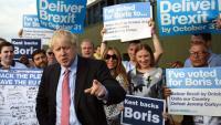 Boris Johnson, amb simpatitzants en un míting a Kent (Anglaterra)