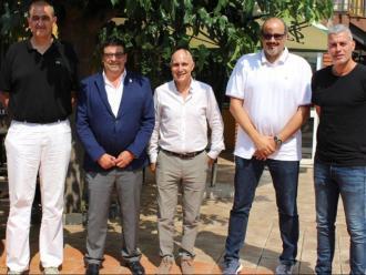 Representants dels clubs i el president de la FCBQ Aril