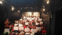 Representants dels espais, col·lectius i projectes culturals de base, ahir a l'Antic Teatre en plena protesta